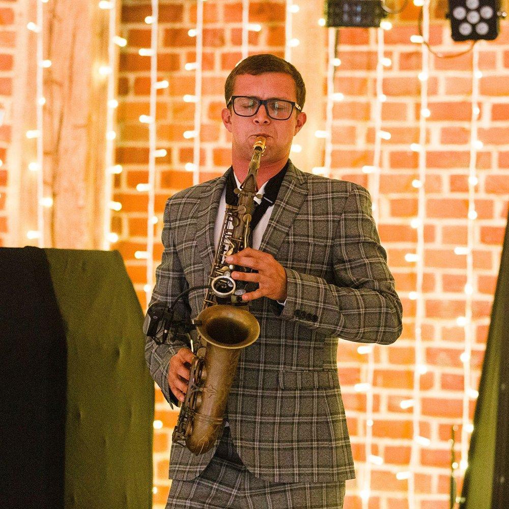 essex saxophonist hire