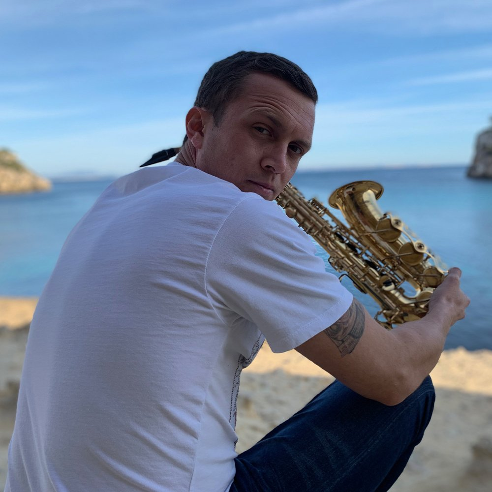 mallorca saxophone player for hire